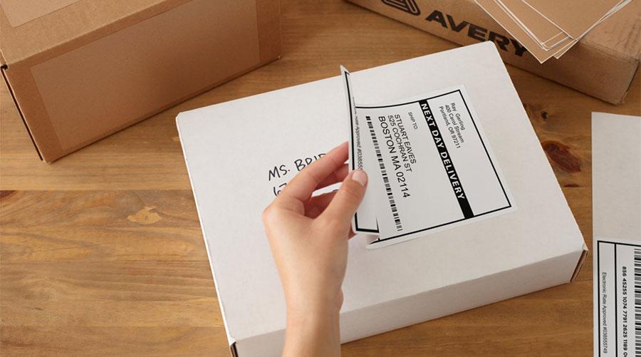 Etiquetas adhesivas personalizadas